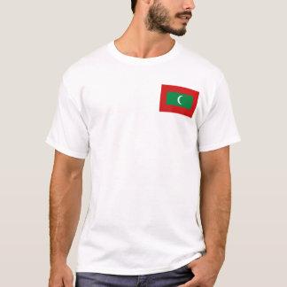 Maldivas señalan y trazan la camiseta por medio de