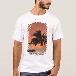 Maldives, Meemu Atoll, Medhufushi Island, T-Shirt