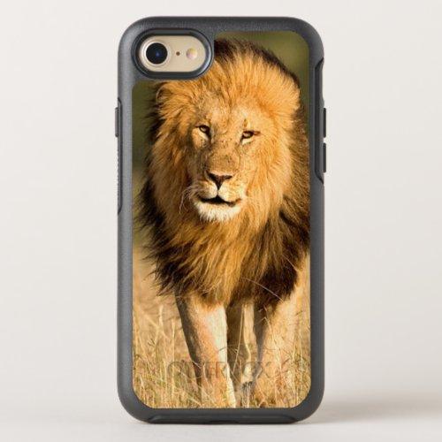 Male Lion Walking OtterBox Symmetry iPhone SE87 Case