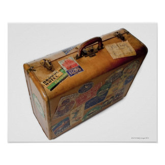 maleta pasada de moda con los pegatinas del viaje póster