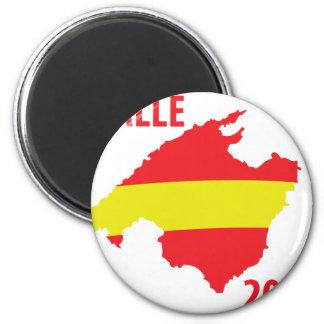 malle contour 2009 icon 2 inch round magnet