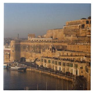 Malta, La Valeta, opinión del puerto de un Barrakk Azulejo Cuadrado Grande