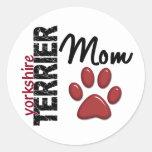 Mamá 2 de Yorkshire Terrier Etiqueta Redonda