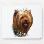 Mamá 2 de Yorkshire Terrier Tapete De Ratones