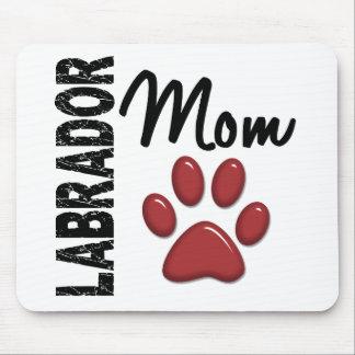 Mamá 2 del labrador retriever mouse pads