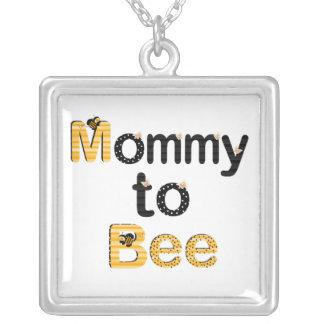 Mamá a la abeja colgante cuadrado