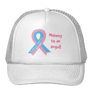 Mamá a un gorra del ángel