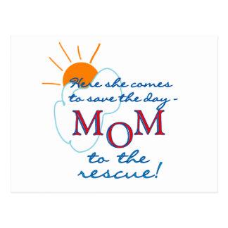 Mamá al rescate tarjeta postal