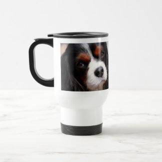 Mamá arrogante del perro de aguas de rey Charles Tazas De Café