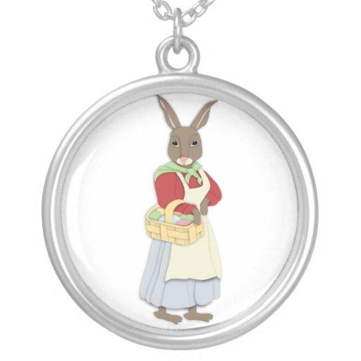 Mamá Bunny con el collar de la cesta del huevo