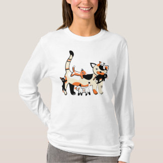 Mama cat with kittens, funny picture. T-Shirt
