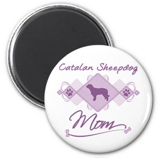 Mamá catalana del perro pastor imán