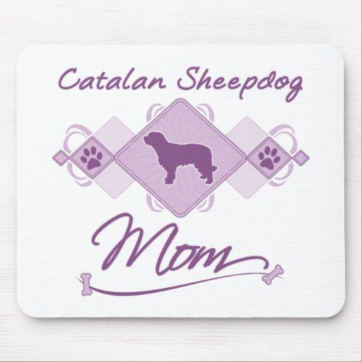 Mamá catalana del perro pastor tapete de raton