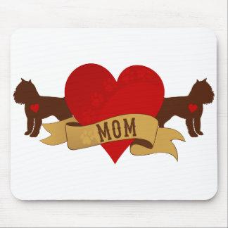 Mamá de Bruselas Griffon [estilo del tatuaje] Tapetes De Ratones