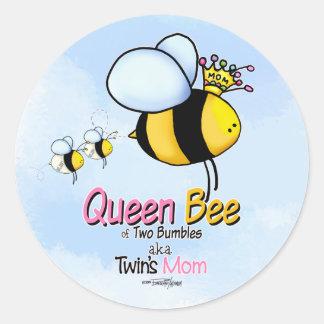 Mamá de la abeja reina del pegatina de los gemelos