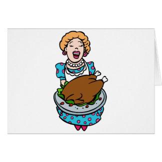 Mamá de la acción de gracias que sirve el disco de tarjeta de felicitación