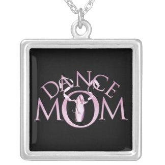 Mamá de la danza colgante cuadrado