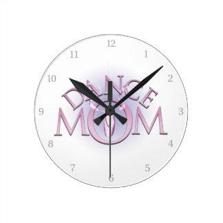 Mamá de la danza reloj de pared