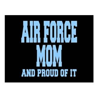 Mamá de la fuerza aérea y orgulloso de él postal