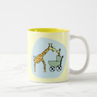 Mamá de la jirafa y taza del bebé