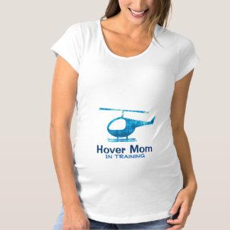 Mamá de la libración en camisa de maternidad