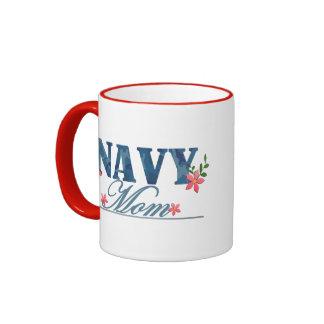 Mamá de la marina de guerra (Cammo) Taza De Dos Colores