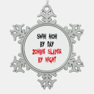 Mamá de la nadada del asesino del zombi adorno