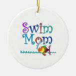 Mamá de la nadada ornamentos de navidad