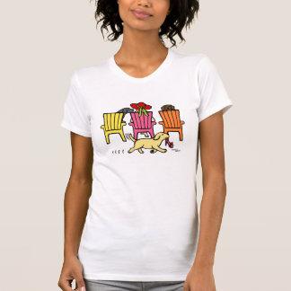 Mamá de Labrador en el Poolside Camisetas