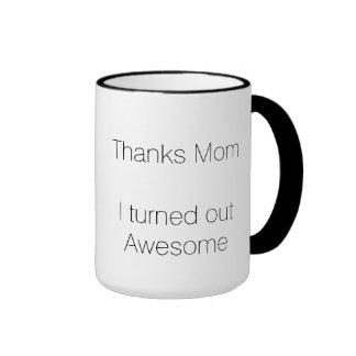 Mamá de las gracias resulté impresionante taza de dos colores
