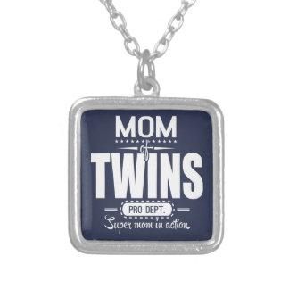 Mamá de los gemelos favorable Dept. Super Mom en Collar Plateado