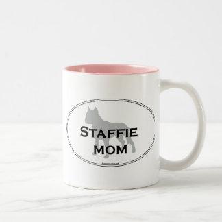 Mamá de Staffie Taza De Dos Tonos