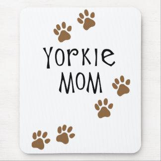Mamá de Yorkie Alfombrilla De Ratón