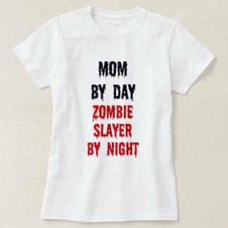 Mamá del asesino del zombi del día por noche polera
