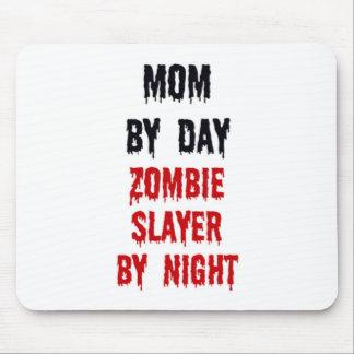 Mamá del asesino del zombi del día por noche tapete de ratón