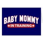 Mamá del bebé en el entrenamiento felicitacion