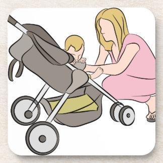 Mamá del cochecito de bebé posavaso