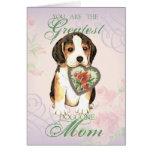 Mamá del corazón del beagle tarjeta de felicitación