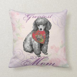 Mamá del corazón del caniche miniatura almohada