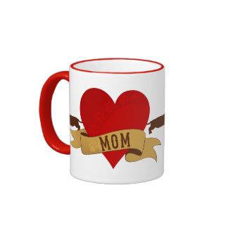 Mamá del Dachshund [estilo del tatuaje] Taza De Café
