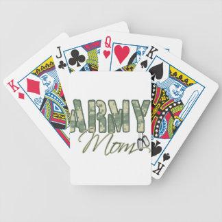 mamá del ejército con la copia de las placas de id barajas de cartas