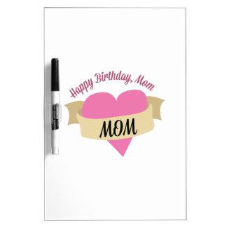 Mamá del feliz cumpleaños pizarra blanca