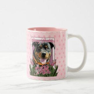 Mamá del feliz cumpleaños - Rottweiler - Taza De Dos Tonos