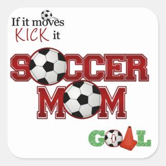 Mamá del fútbol calcomania cuadradas