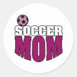Mamá del fútbol pegatina redonda