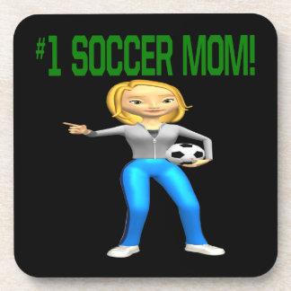 Mamá del fútbol posavasos de bebida