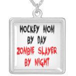 Mamá del hockey del asesino del zombi colgante cuadrado