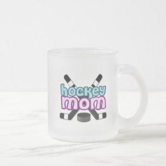 Mamá del hockey taza de cristal