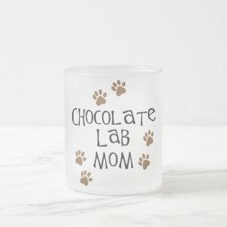 Mamá del laboratorio del chocolate taza de cristal