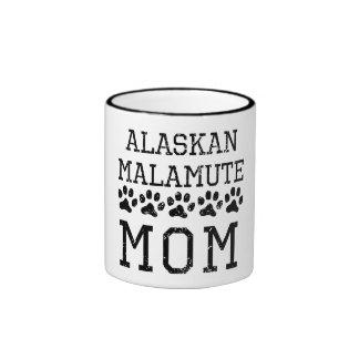 Mamá del Malamute de Alaska (apenada) Taza De Dos Colores